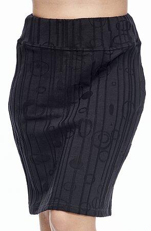 Delší černá dámská sukně s vyraženým vzorem 167