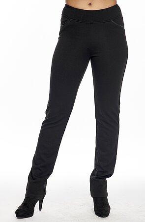 Rovné černé dámské kalhoty s lemovanými kapsami 315