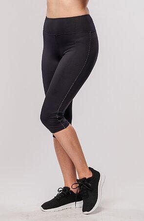 Funkční černé dámské 3/4 kalhoty s push-up efektem 290