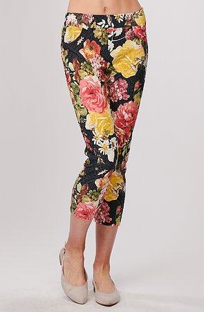 Elegantní květované dámské 3/4 kalhoty bez kapes 873