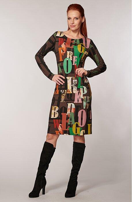 Elegantní hnědé dámské šaty s barevnými písmeny 7053